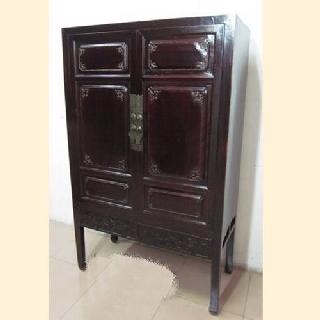 hochzeitsschrank dunkelbraun unten schnitzereien 2 t ren. Black Bedroom Furniture Sets. Home Design Ideas