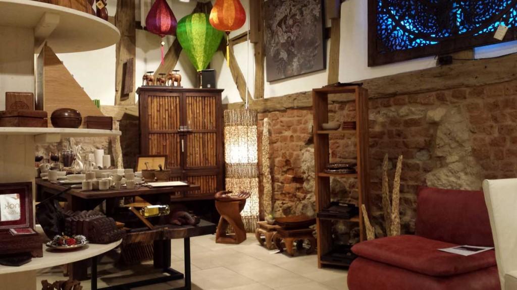 unsere standorte sam nok. Black Bedroom Furniture Sets. Home Design Ideas